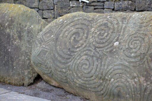 Trisquel celta grabado en piedra