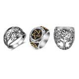 Tienda de anillos con símbolos celtas.