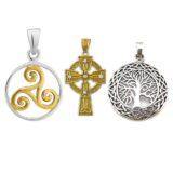 Colgantes celtas con triquel, cruz celta y árbol de la vida celta.