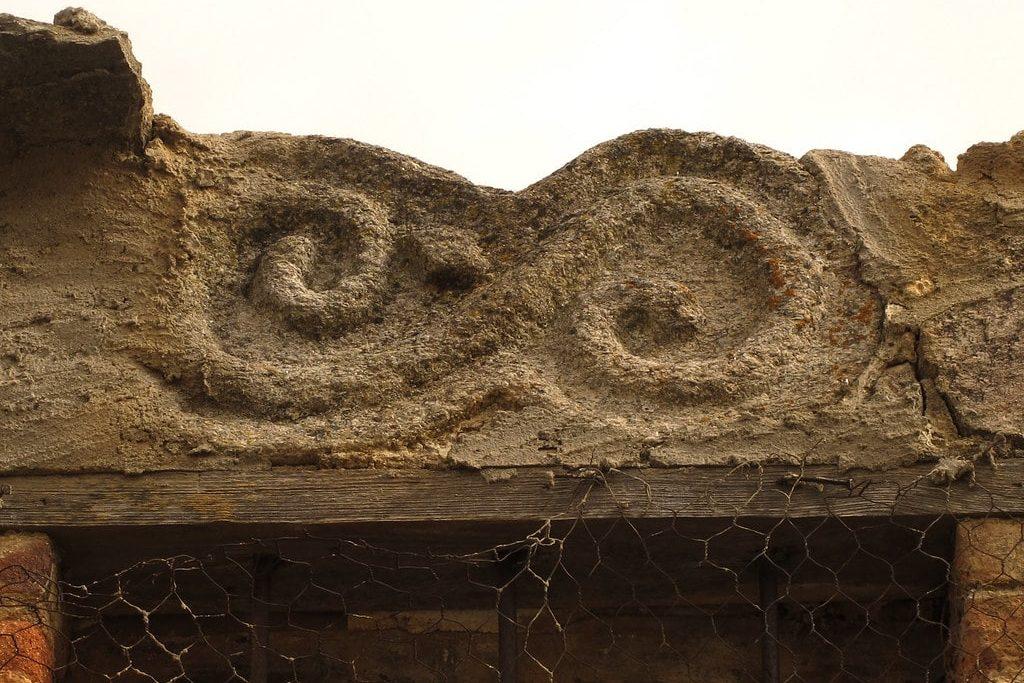 Petroglifo celta doble espiral.